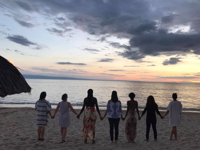holding-hands-haiti